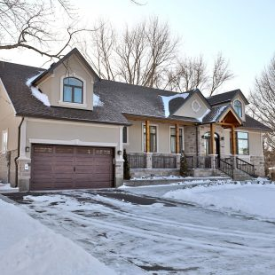 14 Bendamere Drive, Grimsby: $1,049,900